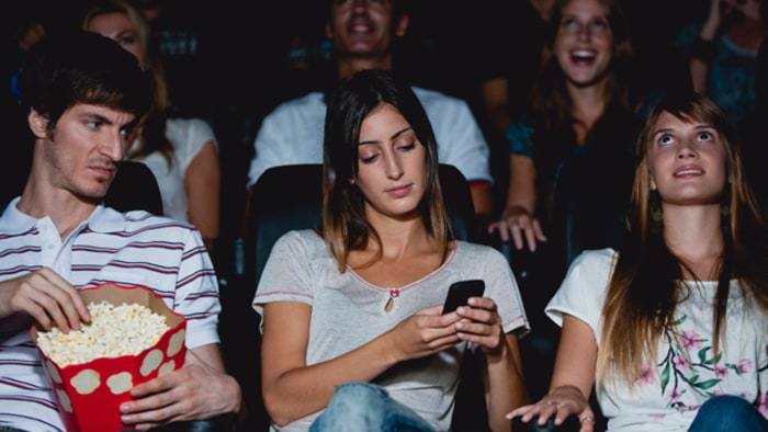 Creeps! Texas man is suing a woman for texting while on a date!