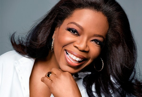 Oprah Winfrey steps foot inside a bank for the first time in 29 years!