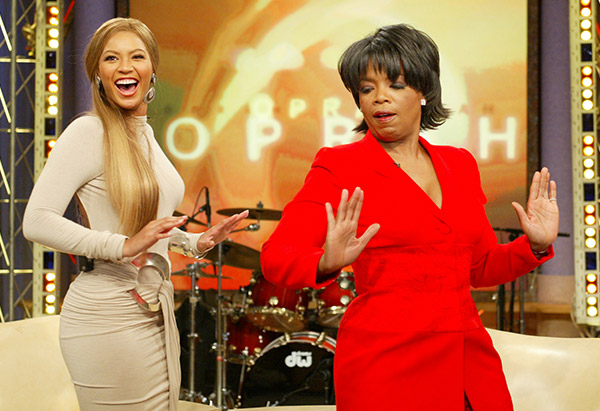 WATCH: A flashback moment of Beyoncé teaching Oprah how to do her signature dance move!