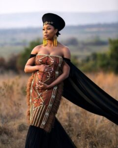 Minnie Dlamini Jones debuts baby bump, yip, she's pregnant!