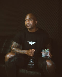 Naakmusiq dives deeper into business and signs an exclusive deal with Royal Flush Luxury Gin