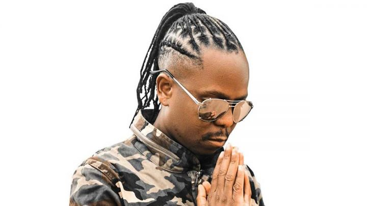 [SEE] Vee Mampeezy flaunts his black G-Wagon