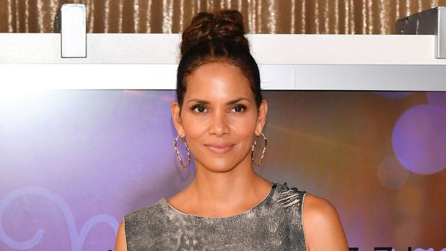 Halle Berry supports boyfriend Van Hunta and poses in his T-shirt
