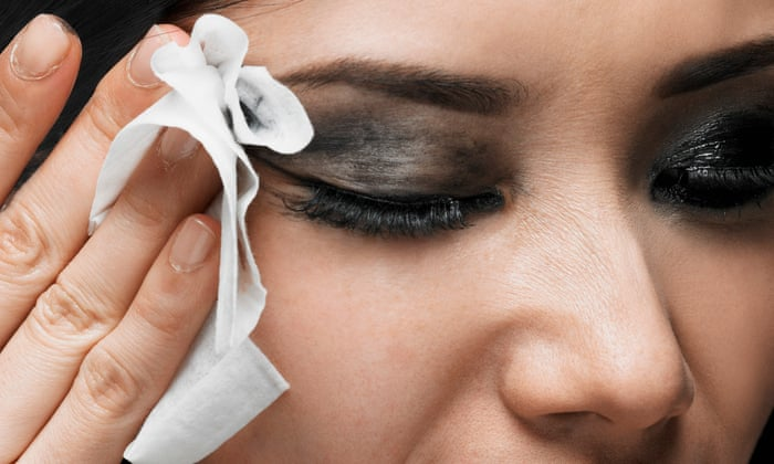 WATCH: This viral video shows you the gross reality of using makeup wipes