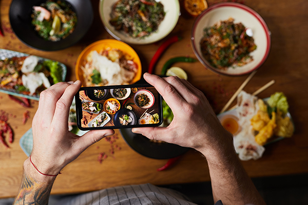 Did you know posting food pictures on Instagram can make you gain weight?